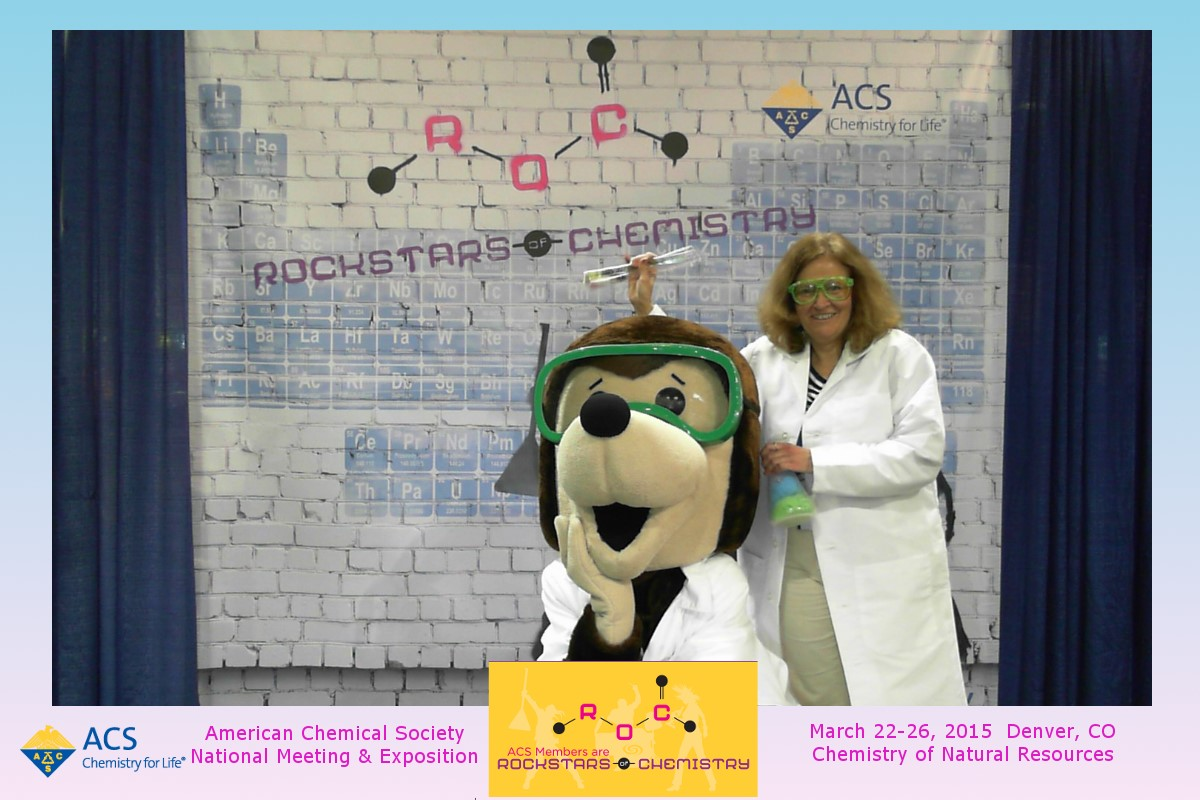 Dr. Arbuckle with the American Chemical Society (ACS) mole